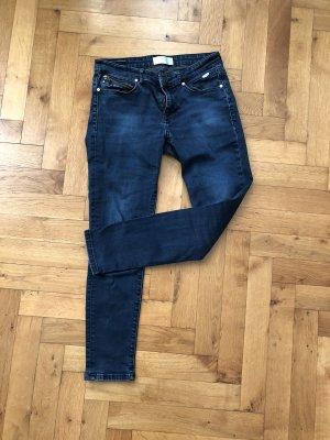 Cross Jeans blau