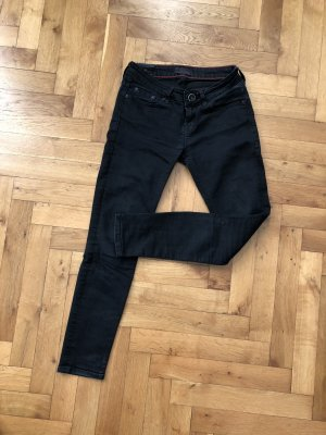 Cross Jeans schwarz