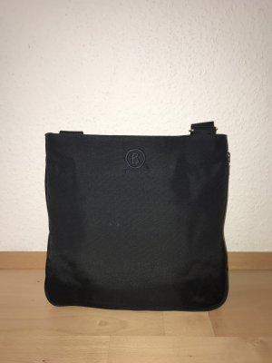 Crossbody-Tasche aus Nylon in schwarz