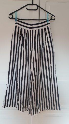 Culotte Hose, schwarz weiß gestreift