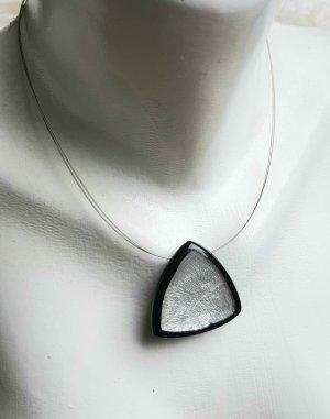 Culture Mix Shell Necklace light grey-black mixture fibre