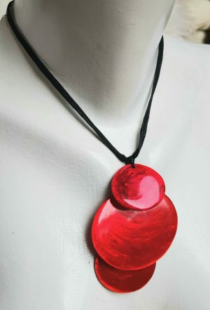 Culture Mix Shell Necklace black-red
