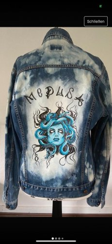 Customized Jeansjacke, Medusa