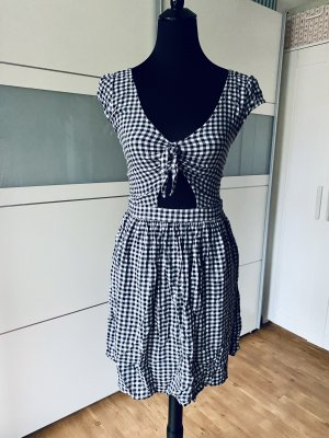 Hollister Vestido cut out blanco-negro