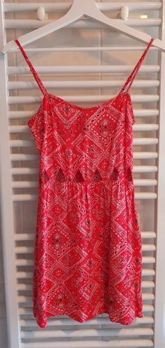 H&M Divided Abito cut out rosso