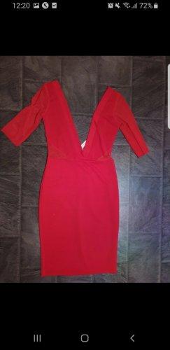 Robe découpée rouge