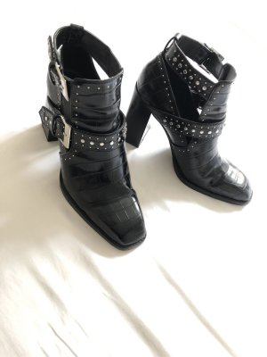 Zara Cut Out Booties black