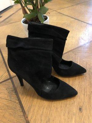 Zara Cut Out Booties black