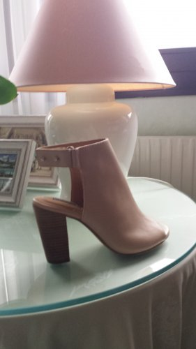 H&M Cut Out Booties dusky pink