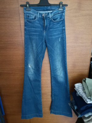 cutboot jeans