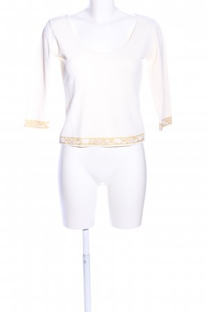 D. Exterior Longsleeve white-gold-colored casual look