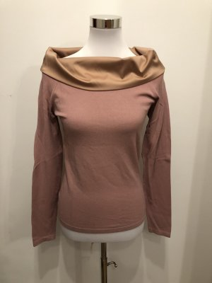 D. Exterior pullover