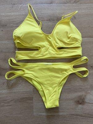 Bikini giallo