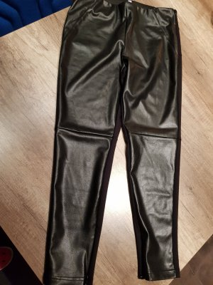 Pantalon traditionnel en cuir noir