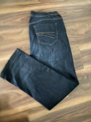 Jeans a zampa d'elefante blu scuro