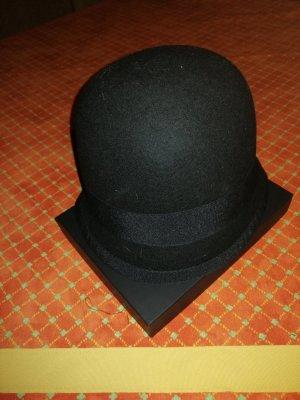Cappello di lana nero