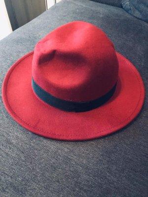 Damen Hut von Cartoon (NOCH NIE GETRAGEN)