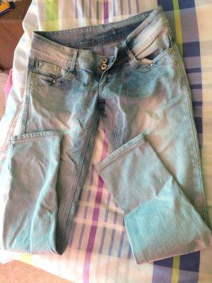 Pantalón de tubo azul claro
