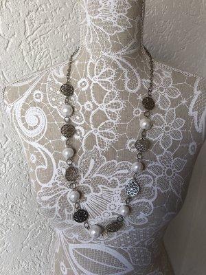 Naszyjnik z muszelek srebrny-biały