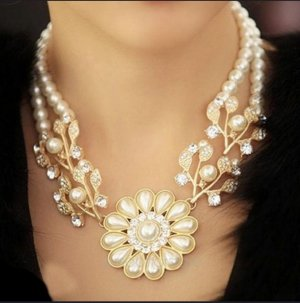 Pearl Necklace white-gold-colored