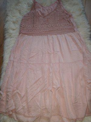 Vestito da spiaggia rosa antico