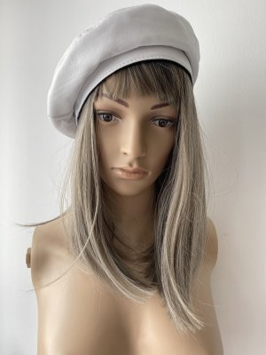Beret white leather