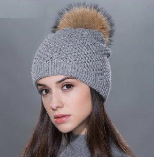 Damen Mädchen Mütze Feinstrick in grau mit Echtfell Bommel Pompom