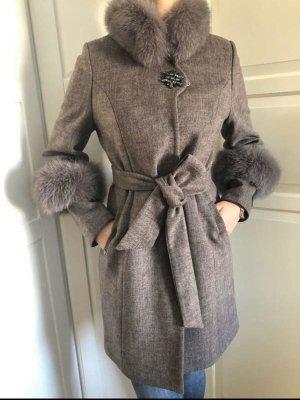 Manteau de fourrure gris brun cachemire