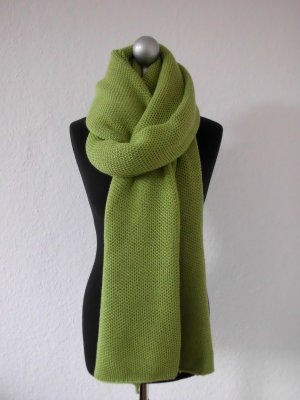 Knitted Scarf grass green wool