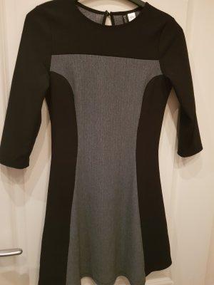 H&M Divided Vestido mullet negro-color plata