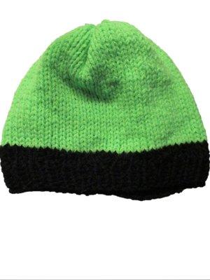 Cappello all'uncinetto verde neon-nero