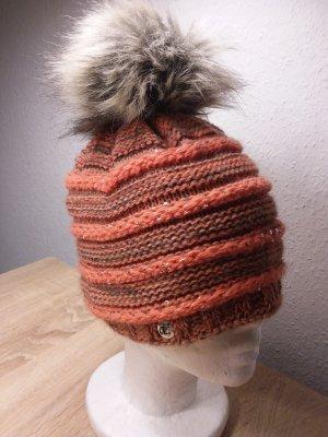 Chapeau en tricot saumon-gris brun