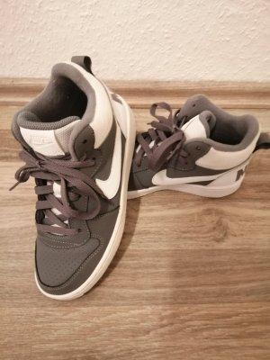 Damen Nike gr 36 Sehr gute Zustand