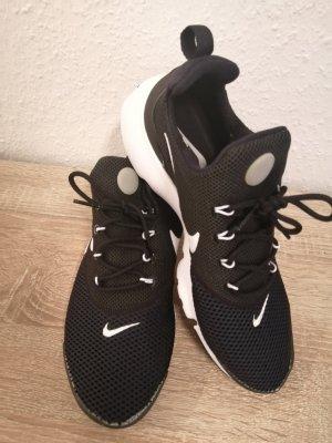Damen Nike Presto Fly  gr. 40