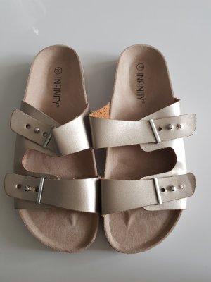 Infinity Sandalo comodo oro