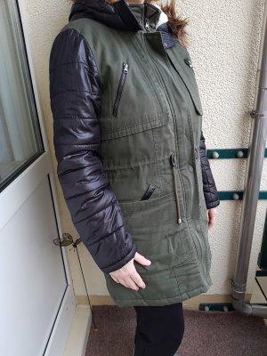 Vero Moda Pikowany płaszcz czarny-ciemnozielony
