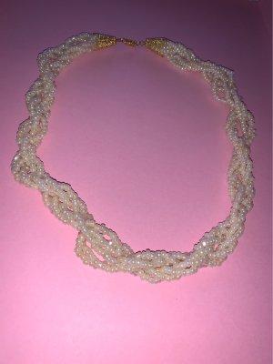 Naszyjnik z perłami kremowy-złoto
