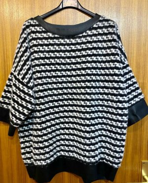 new collection Wool Sweater white-black