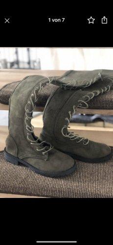 Botas con cordones caqui