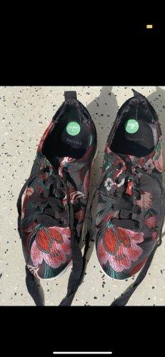Bershka Sneaker stringata multicolore