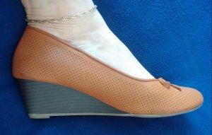 Damen Schuhe Pumps mit Keil Gr.39 in Braun von Walkx Woman