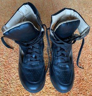 Damen Schuhe Sneakerboots Gr.39 in Schwarz von Super Mode