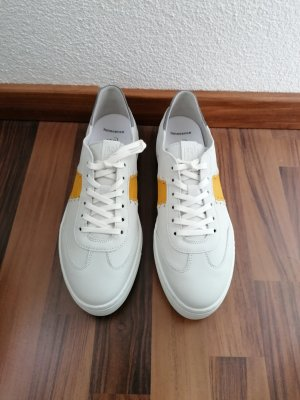 camel Lace-Up Sneaker white-yellow