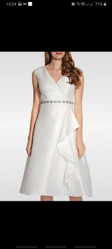 Adrianna Papell Wedding Dress white