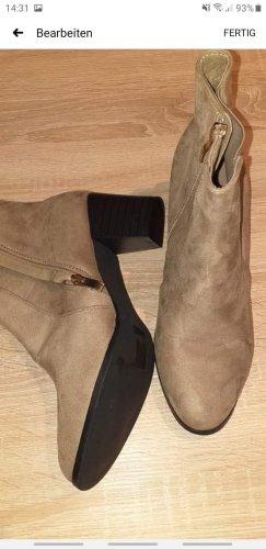 Italia Moda Wciągane buty za kostkę camel