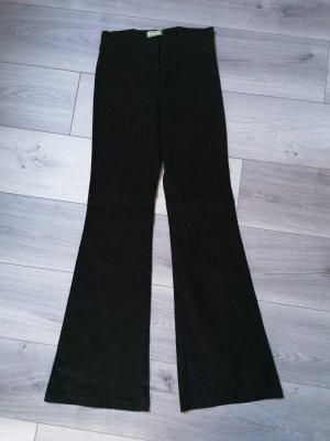 Basic Broek met wijd uitlopende pijpen zwart