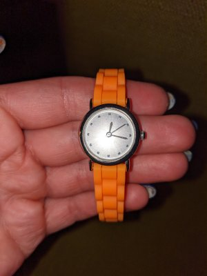 Fermoir de montre orange