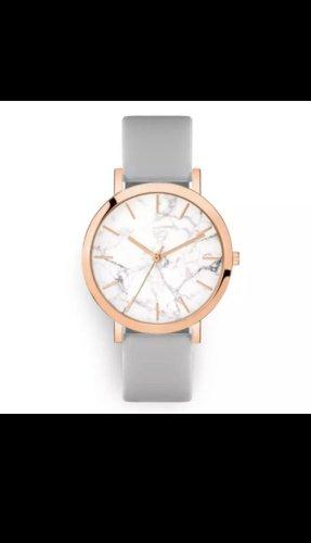 Horloge met lederen riempje lichtgrijs
