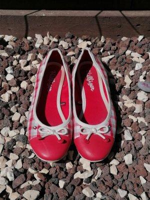 Damen und Mädchen flache Schuhe.