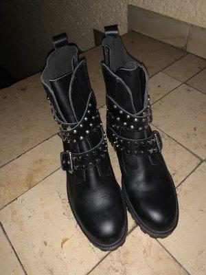 Zara Desert Boots black